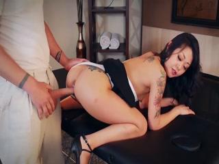Asian Lady Gets Jizz On Her Feet