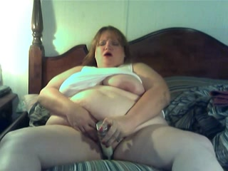Fatty Fucks Her Pussy With Massive Vibrator Til She Cums
