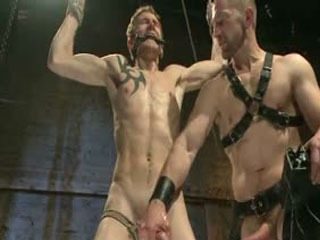 Perverted Leather Daddy En Zijn Helpless Captive