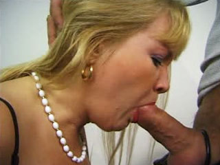 Mature Slut Gives Blowjobs