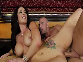 Sexy Milf Babe Jayden Jaymes Is In Good Mood For A Sex