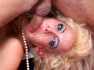 Mikki Lynn Gets Her Mouth Fucked