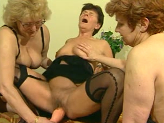 Three Mature Sluts Play With A Dildo