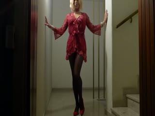 Блондинка Crossdresser