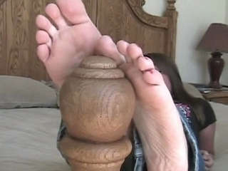 Lisa Relaxing And Showing Off Her Feet
