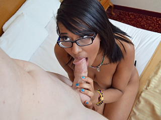 Nerdy Ebony 18 Yr Old Fucks And Sucks