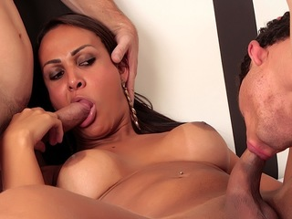 Hot Tgirl Fucked Bareback By 2 Dicks
