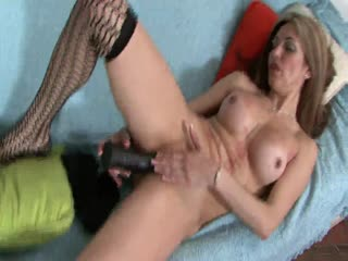 A Latina MILF Shows Off Her Stuff