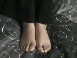 Randi Is Showing Off Her Sweet Feet