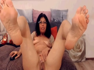 Dirty Granny Rubbng Her Sexy Mature Muff