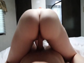 Horny Mature Cougar Comes To My Place And Ask Me To Fill Her With Cum