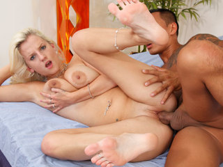Pushy Haley Cummings Gets Her Feet Worshipped And Fucked