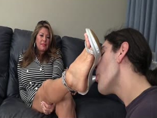 Mom Trains Daughter's Boyfriend How To Suck Toes