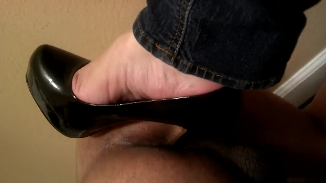 Anal extreme heels tube