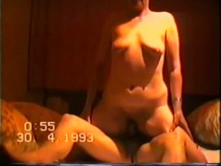 Martina Rides A Cock (Martina Reitet Auf Dem Schwanz)
