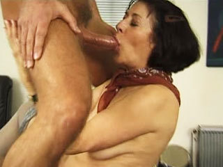 Slutty Mature Shows Her Skills On The Job Interview