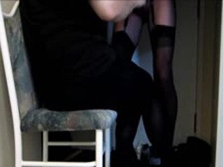 PANTYHOSE VISIT - Pantyhose Mistress KarriCD Strokes Me At Her Door