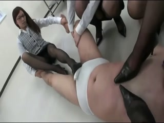 Japanese Office Ladies Learn Ballbusting In High Heels