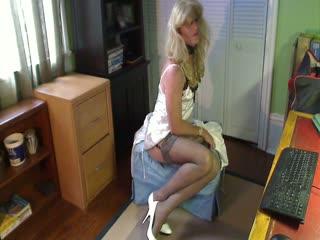 Sissy Gurl In Lingerie