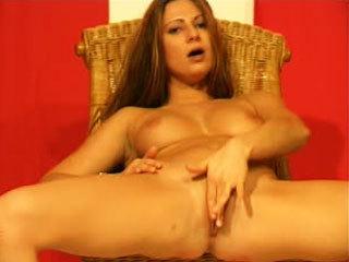 Sexy Amateur Brunette Rubs Her Clit