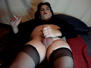 Donna Stroking And Cumming In Black