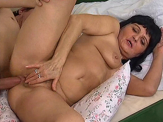 Naughty Old Mom Screwed