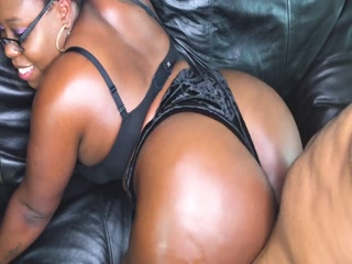 Cute Ebony Enjoys An Intense Pussy Banging Session