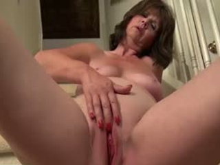 Hot Wife Jade Is Masturbating Her Wet Cunt