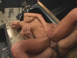 Blonde twins take turns with a lucky dick