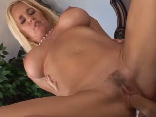 Big Titted Cougar Gets Creampied