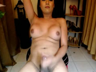 Tranny Jerking Her Big Cock