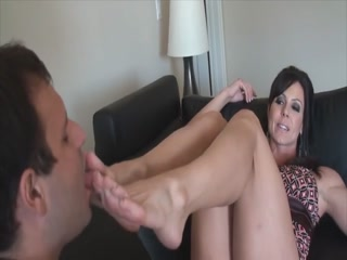 Famous MILF Gets Her Hot Toes Worshiped On The Sofa