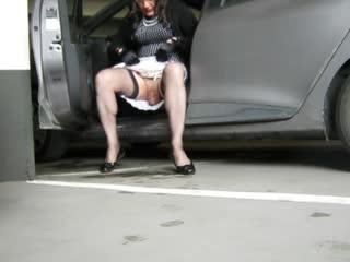 Crossdresser Upskirt No Panty