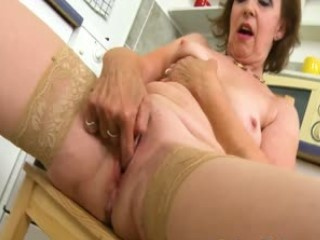 Older European Lady Showing Off And Masturbating Alone