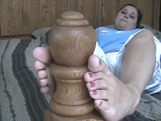 Sexy Babe Cloie Stretches Her Feet After A Long Day'S Walk