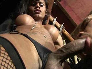 Gorgeous Ebony Shemale Destroys Her Man