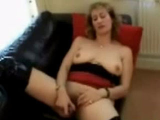 Naomi Serves Up Some Piss For Tranny To Drink