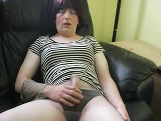 Slut Cums In Her Pantyhose