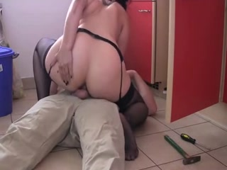 Pretty Milf In Stockings Is Addicted To Anal