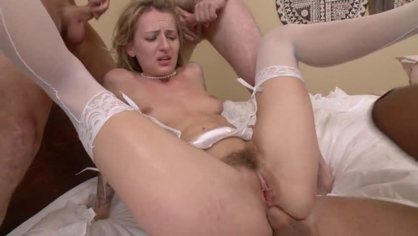 Download free swinger wife having anal fun with hung XXX