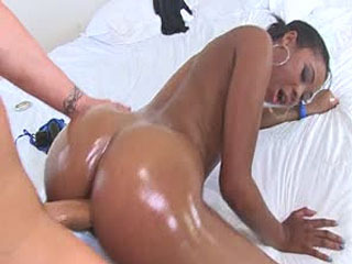 Lola Larue Gets Her Pussy Rammed From Behind As Her Big Juicy Ass Bounces