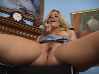 Blonde Slut Shows Off Her Hot Ass And Rubs Her Pussy