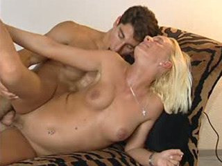 Pleasing the blonde MILF