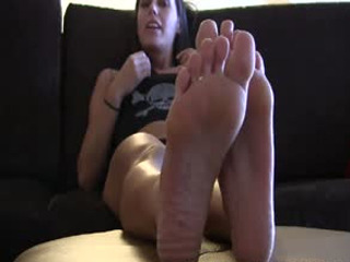 I Want You To Lick My Feet And Between My Toes