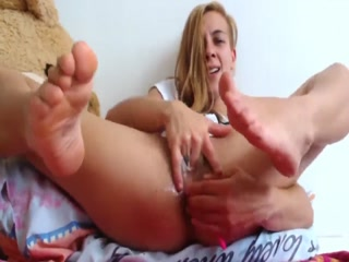 Skinny Hottie Shows Off Her Beautiful Feet In Her Solo Pussy Fisting Session