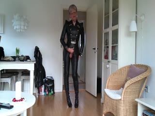 Leather Fetish Wank