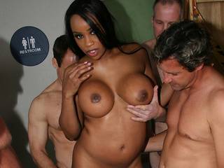 Sandi Jackmon Loves White Dick