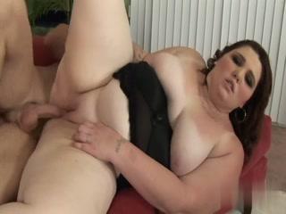 BBW Bitch Having Quick Pussy Pounding On The Sofa